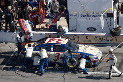 Pit stop for John Andretti, Front Row Motorsports with Yates Racing Ford