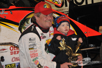 Steve Kinser with grandson, Kash, son of Kraig Kinser