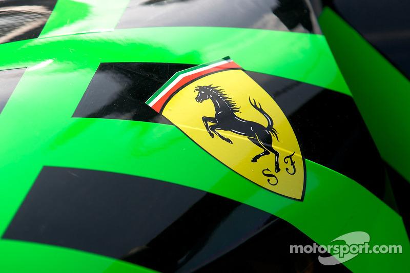 Scuderia Ferrari logo op de Extreme Speed Motorsports Ferrari F430 GT