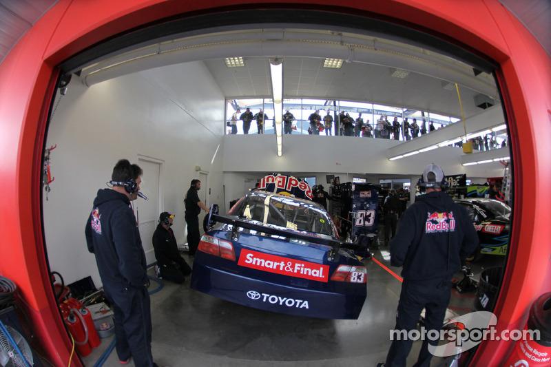 Garage du Red Bull Racing Team Toyota