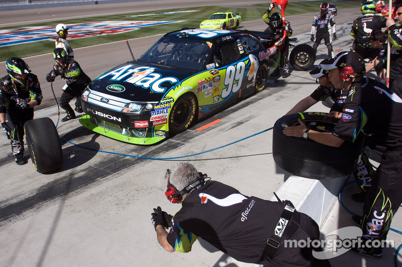 Arrêt aux stands pour Carl Edwards, Roush Fenway Racing Ford