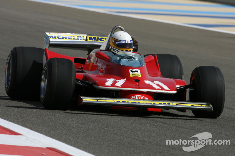Anniversaire de Donio46 F1-bahrain-gp-2010-jody-scheckter-1979-f1-world-champion-drives-the-1979-ferrari-312-t4