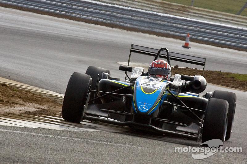 Em 2010, Nasr foi para a F3 britânica, terminando o campeonato na 5ª posição, com 1 vitória.