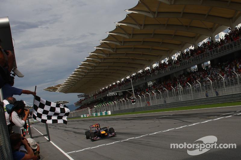 Sebastian Vettel, Red Bull Racing aan de finish