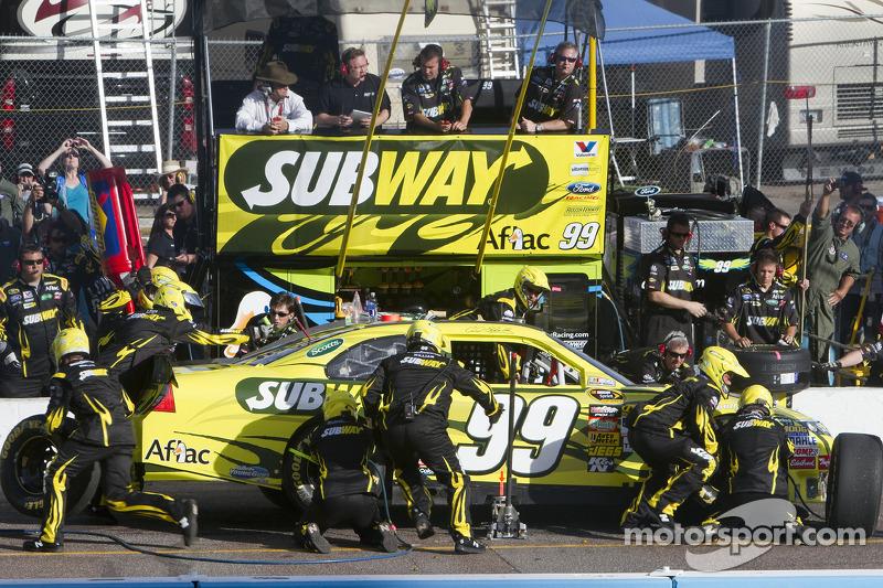 Arrêt aux stands pour Carl Edwards, Roush Fenway Racing Ford