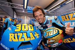 Loris Capirossi, Rizla Suzuki MotoGP celebra el gran premio 300