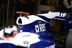 Rubens Barrichello, Williams F1 Team tries out the F-Duct system, rear wing