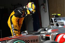 Robert Kubica, Renault F1 Team takes a look at the McLaren
