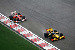 Виталий Петров, Renault F1 Team, Фелипе Масса, Scuderia Ferrari
