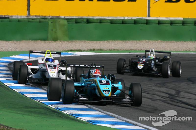 Daniel Juncadella, Prema Powerteam, Dallara F308 Mercedes, rijdt voor Carlos Munoz, Mücke Motorspor