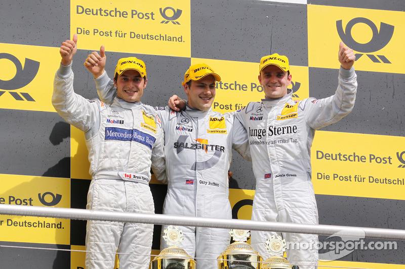 Podium: race winnaar Gary Paffett, Team HWA AMG Mercedes C-Klasse, 2de Bruno Spengler, Team HWA AMG Mercedes C-Klasse, 3de Jamie Green, Persson Motorsport