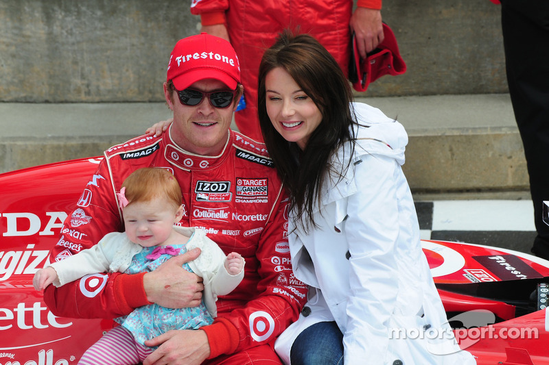 Scott and Emma Dixon with their baby daughter