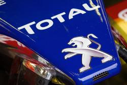 #4 Team Oreca Matmut Peugeot 908 HDi-FAP front nose detail