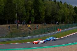 #90 CRS Racing Ferrari F430 GT: Pierre Ehret, Phil Quaife, Pierre Kaffer, #77 Team Felbermayr Proton Porsche 997 GT3 RSR: Marc Lieb, Richard Lietz