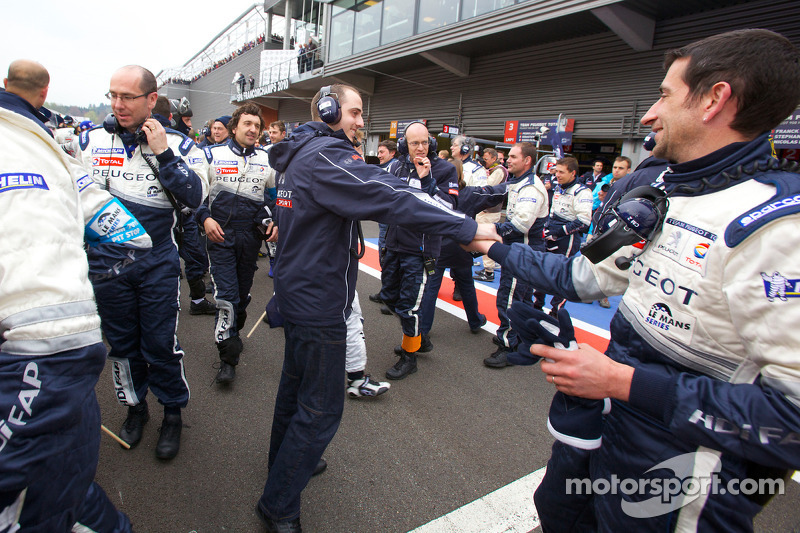 Team Peugeot Total viert zege