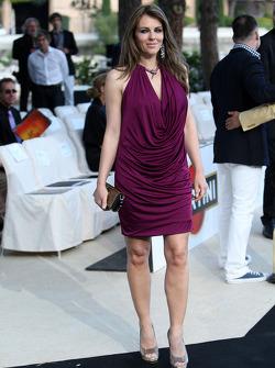 Elizabeth Hurley, Amber Lounge Fashion Show