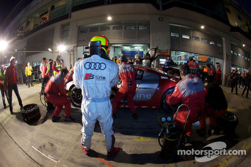 Pitstop #99 Phoenix Racing Audi R8 LMS: Frank Biela, Marcel Fässler, Pierre Kaffer, Marc Hennerici