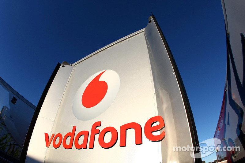 Team Vodafone transporter