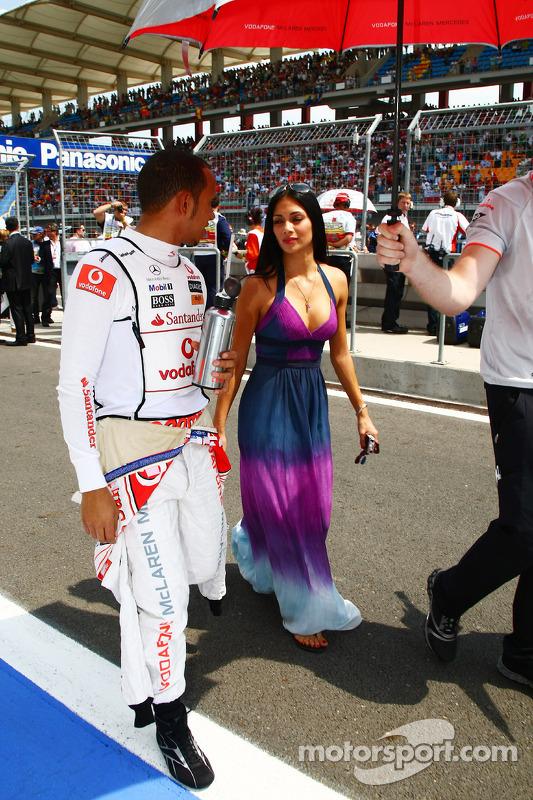 Lewis Hamilton, McLaren Mercedes en Nicole Scherzinger, zangeres van de Pussycat Dolls en vriendin van Lewis Hamilton