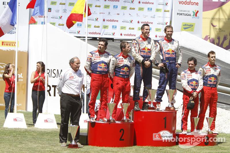 Podium: winnaars Sébastien Ogier en Julien Ingrassia, 2de Sébastien Loeb en Daniel Elena, 3de Dani Sordo en Marc Marti