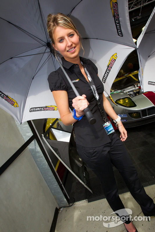 VDS Racing Team girl