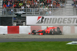 Lucas di Grassi, Virgin Racing glisse hors de la piste