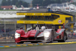 #9 Audi Sport North America Audi R15: Майк Роккенфеллер, Тимо Бернхард, Ромен Дюма