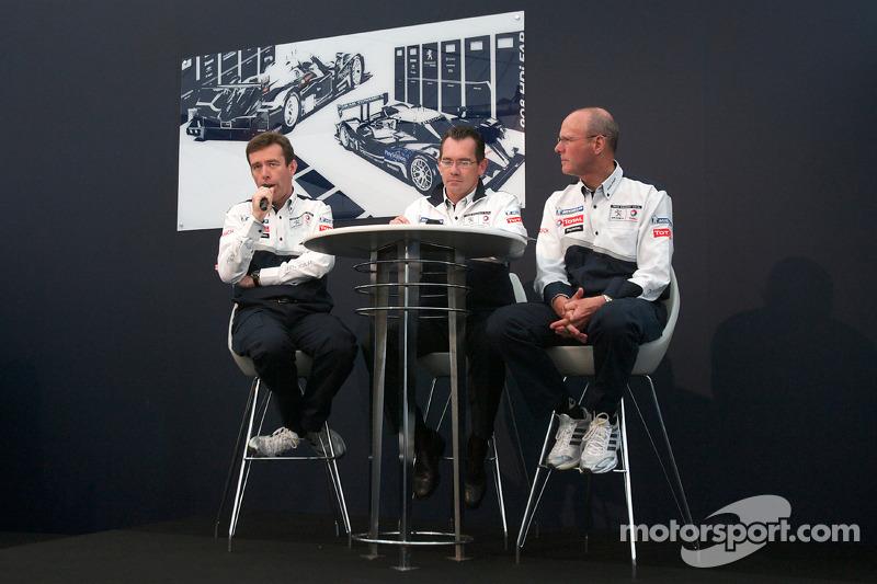 Team Peugeot persconferentie: Bruno Famin, technical director en Olivier Quesnel, Peugeot Sport director