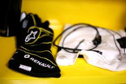 Kevin Magnussen, Renault Sport F1 Team gloves