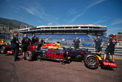Red Bull Racing RB12, на піт-лейн