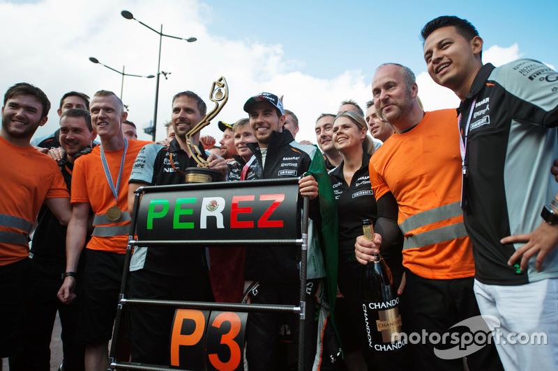 Sergio Perez, Sahara Force India F1 festeggia il suo terzo posto con il team
