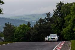 #136 Team Mathol Racing e. V., Porsche Cayman S: Ivan Jacoma, Wolfgang Weber
