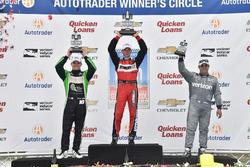 Podium: Sieger Sébastien Bourdais, KV Racing Technology, Chevrolet, 2. Conor Daly, Dale Coyne Racing, Honda, 3. Juan Pablo Montoya, Team Penske, Chevrolet