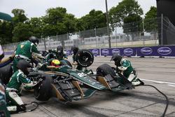 Spencer Pigot, Ed Carpenter Racing Chevrolet pit action
