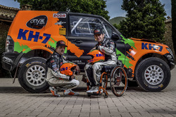 Isidre Esteve ve Txema Villalobos ve Mitsubishi Montero 2017 KH7 Sport