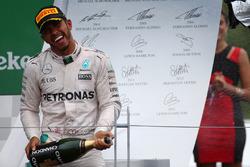 Primer lugar para Lewis Hamilton, Mercedes AMG F1 W07