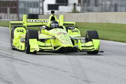 Brad Keselowski, Team Penske, Simon Pagenaud'un IndyCar'ını kullanıyor