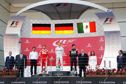 Podium: 2. Sebastian Vettel, Ferrari; 1. Nico Rosberg, Mercedes AMG F1; 3. Sergio Perez, Sahara Force India F1