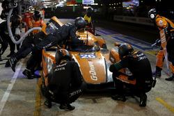Pit stop #26 G-Drive Racing Oreca 05 Nissan: Roman Rusinov, Will Stevens, René Rast