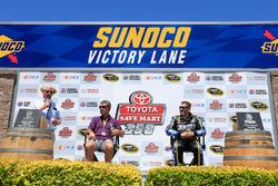 Ernie Irvan und werden in die Hall of Fame des Sonoma Raceway aufgenommen