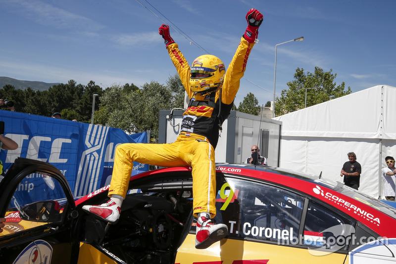 Hoe vaak won Tom Coronel dit seizoen een WTCC-race?