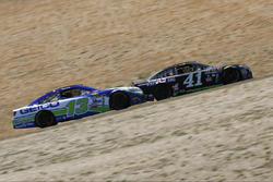 Kurt Busch, Stewart-Haas Racing Chevrolet, Casey Mears, Germain Racing Chevrolet