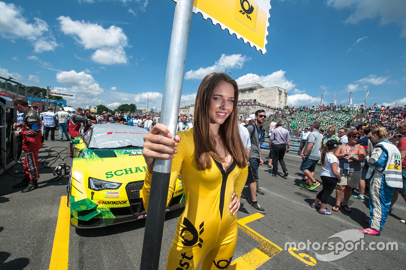 Grid girl, Mike Rockenfeller, Audi Sport Team Phoenix, Audi RS 5 DTM
