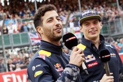 (L to R): Daniel Ricciardo, Red Bull Racing with team mate Max Verstappen, Red Bull Racing