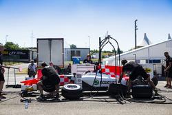MP Motorsport practicar una parada en boxes