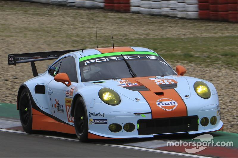 6. GTE-Am: #86 Gulf Racing, Porsche 911 RSR: Michael Wainwright, Adam Carroll, Ben Barker