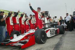 Weldon wins IRL title 2005