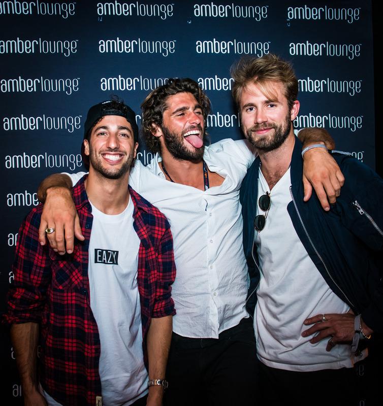 Ricciardo y amigos en la Amber Lounge de Mónaco