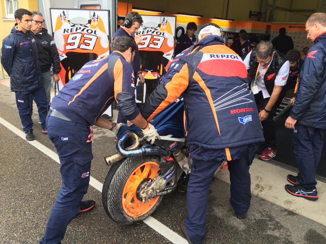 La moto de Márquez tras caerse en Alemania