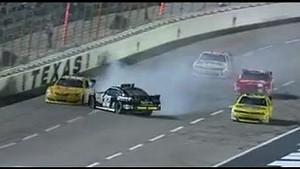 Kyle Larson nearly crashes at Texas!!